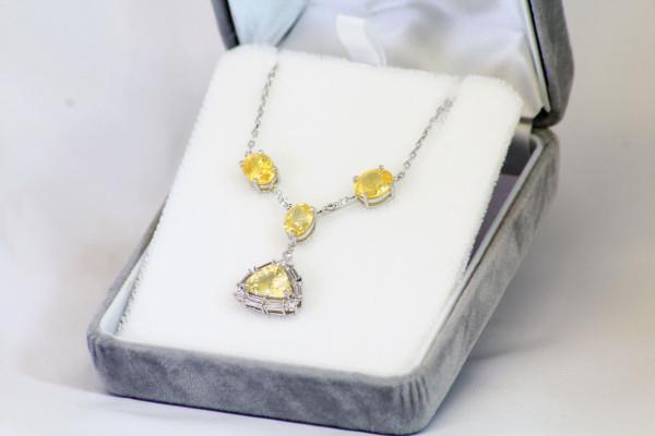 黄色い宝石のオーダーネックレス