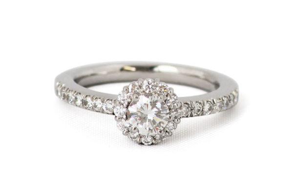 出来上がったダイヤモンドリング