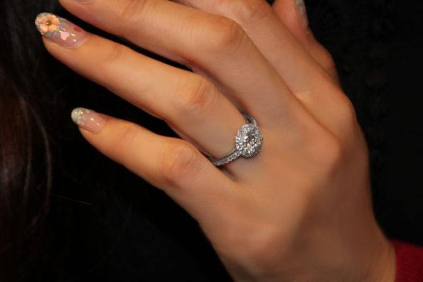 ダイヤモンドリングのアップ画像